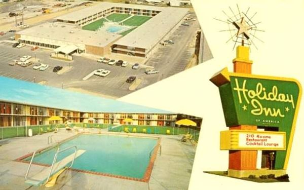 1960s postcard of the Holiday Inn South motel in Sunset Hills, Missouri