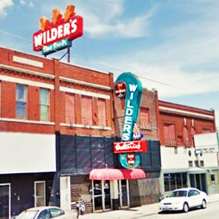 Wilders Steakhouse neon signs in Joplin Mo