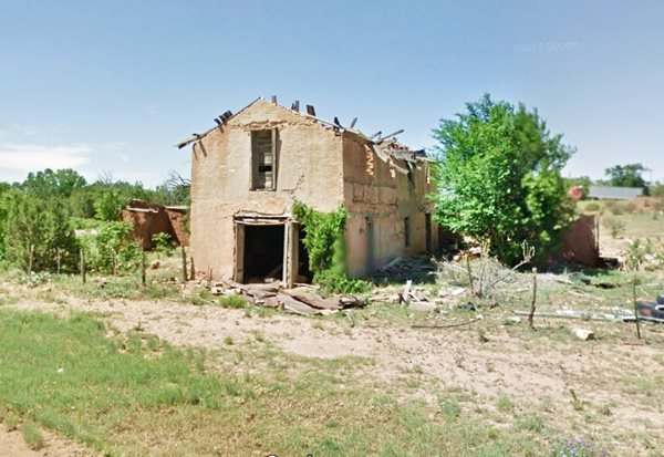 Ruins of an adobe building in Dilia, NM