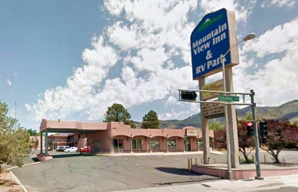 View of the former American Motor Inn in Albuqerque NM
