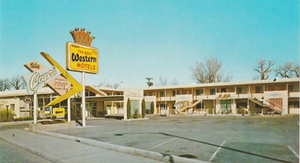 Vintage 1950s postcard of the Capri City Center Motor Hotel on Route 66 in Albuquerque NM