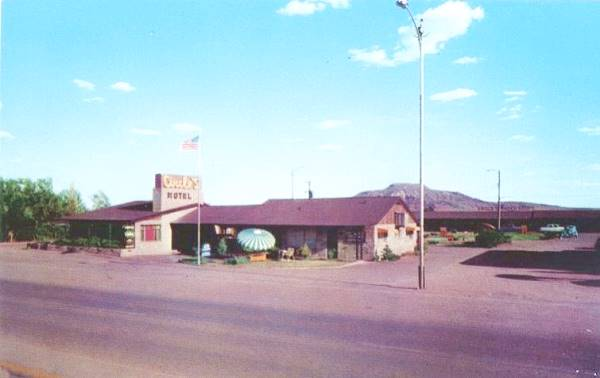 vintage postcard of Circle S Motel, Tucumcari NM