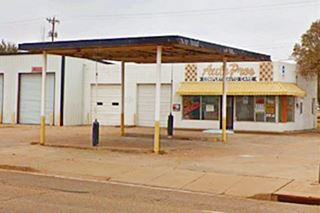 Yet another vintage filling station, Route 66 Tucumcari