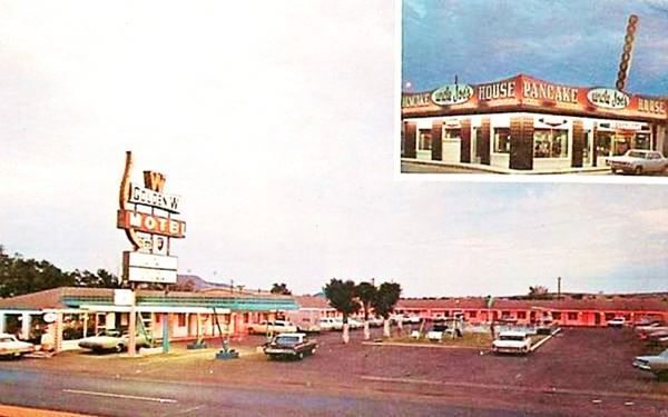 vintage postcard of Golden W motel, Tucumcari NM
