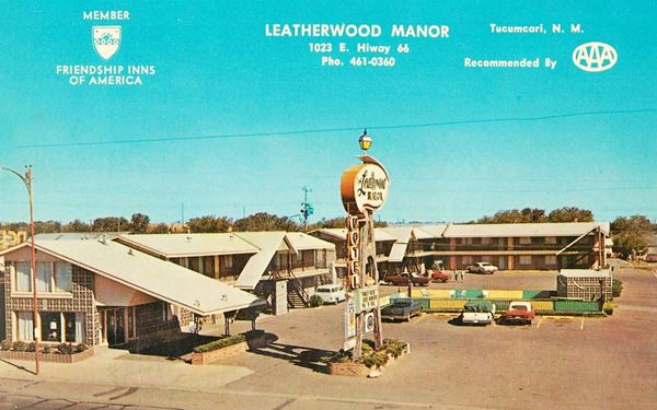 vintage postcard of Leatherwood Motel, Tucumcari NM