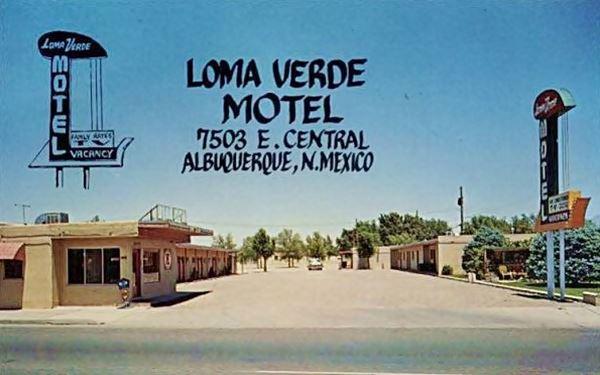 Vintage 1950s postcard of the Loma Verde Motel