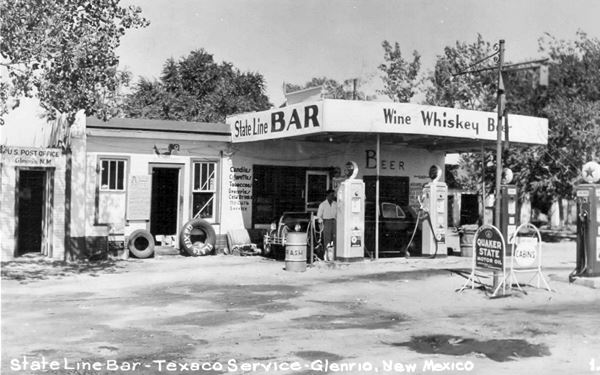 1950s picture of the State Line Bar, a Texaco gas station