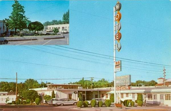 Vintage 1950s postcard of the Premiere Motel US66