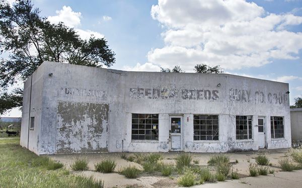 former garage and gas station in San Jon, NM