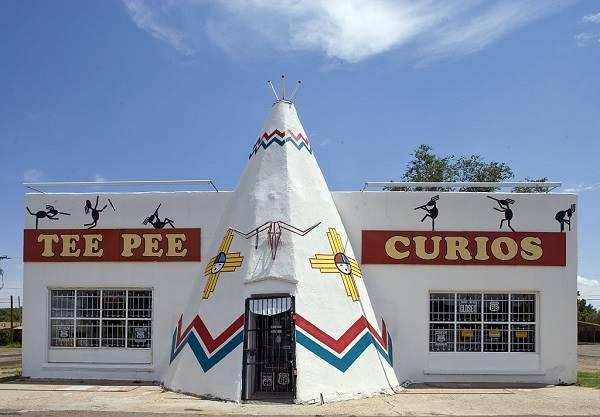 Teepee souvenir shop, New Mexico