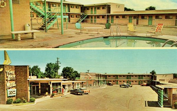 vintage postcard of Town House Motel, Tucumcari NM