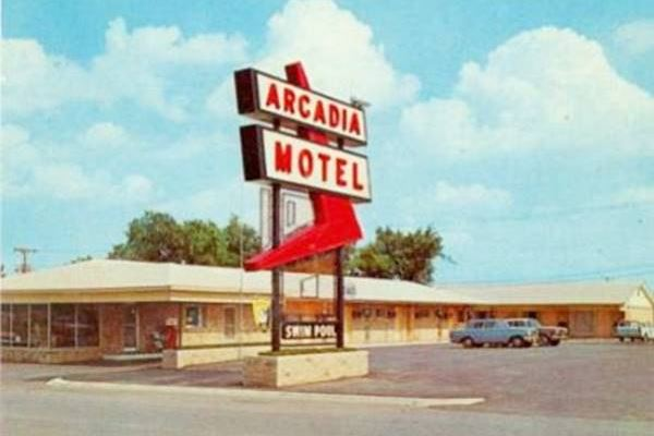 Arcadia Motel vintage postcard in Oklahoma City Route 66