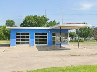 Old Gas Station in Vinita