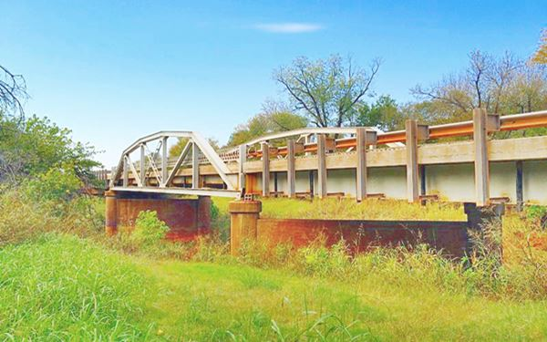 Historic 1933 bridge in Wellston
