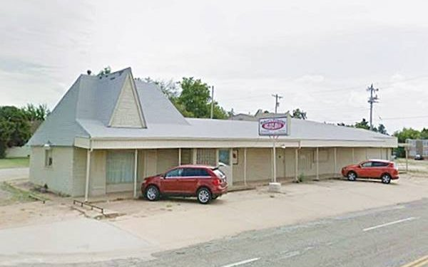 Former Dinah's Bar-B-Que Restaurant nowadays in Oklahoma City Route 66