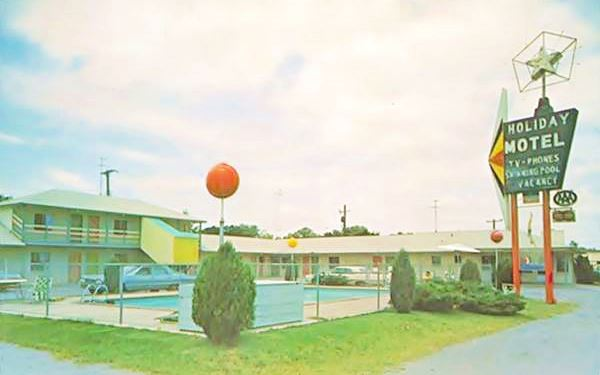 Holiday Motel postcard, Vinita