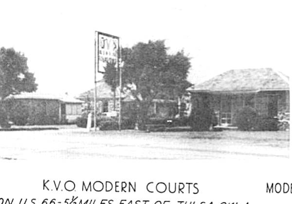 K.V.O. Modern Courts detail from 1940s postcard Tulsa OK Route 66