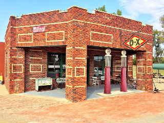 Seaba's Filling Station, Warwick, Oklahoma
