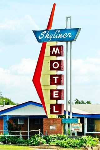 Skyliner Motel sign, Stroud