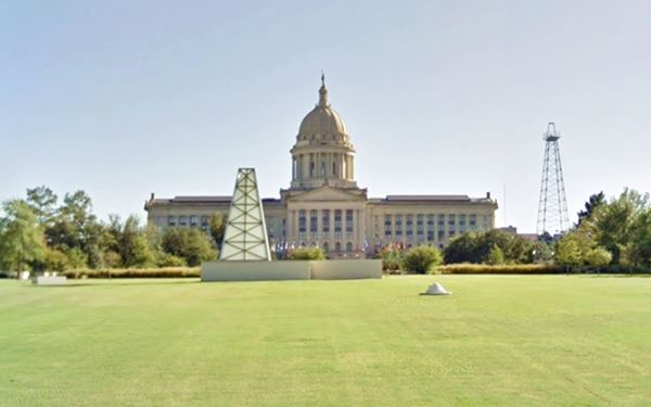 Oklahoma State Capitol (notice the oil rig to the left) in Oklahoma City Route 66