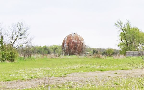 Steel sphere tank, Davenport, OK