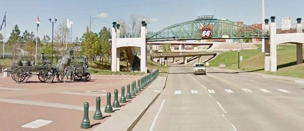 Cyrus Avery Plaza and Gateway Arch Tulsa