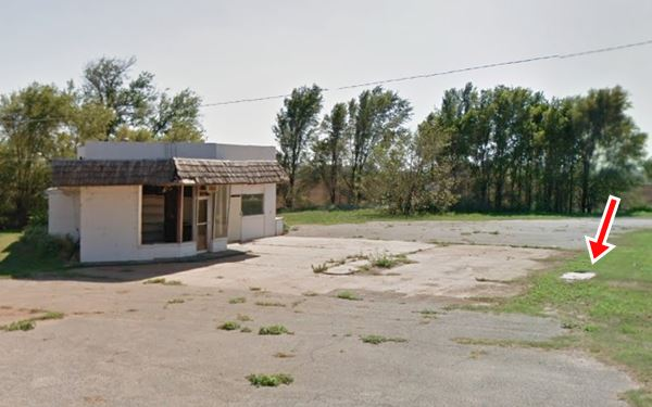 remains of a gull wing Phillips 66 station