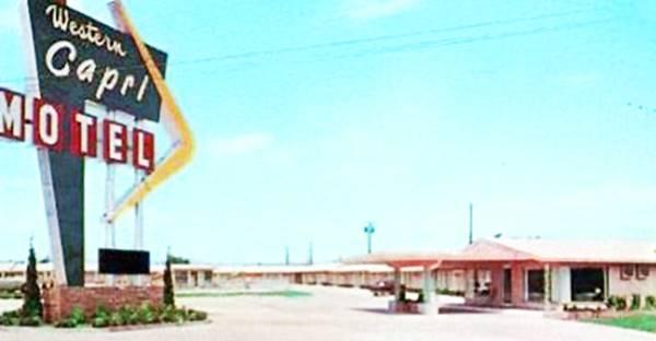 Western Capri Motel postcard Tulsa OK Route 66