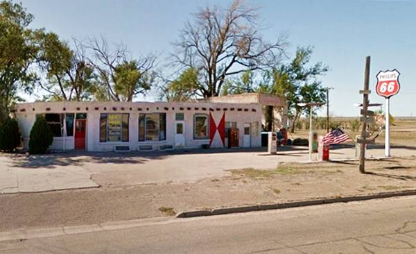vintage gas station in Adrian on Route 66