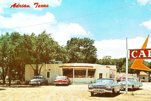 1950s and 60s cars at the cafe and gas station on US66